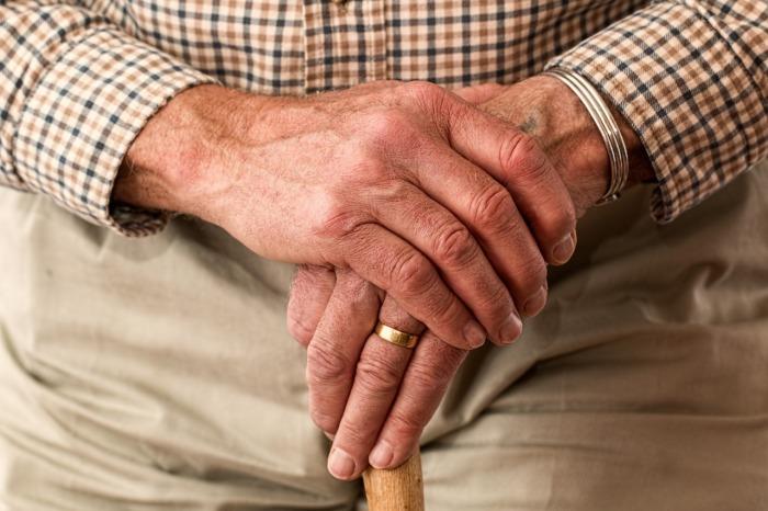 Los mayores de 65 años, ¿están exentos de la plusvalía Municipal si venden su vivienda habitual?