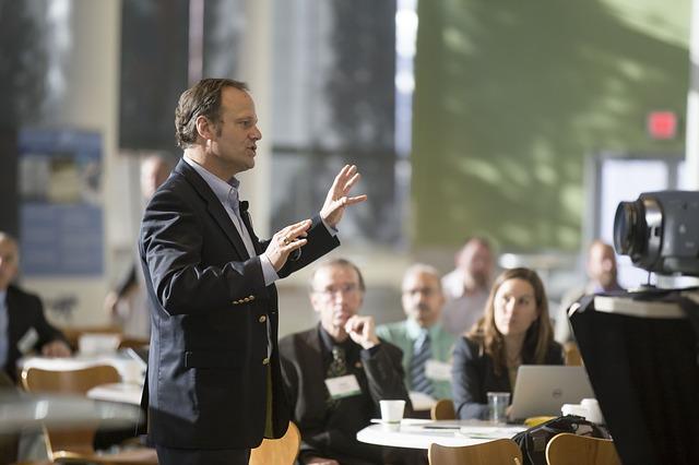 Hablando en Público:  El estilo de la intervención